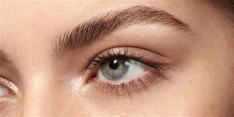 The most common eyebrow concerns - Brow grooming and make