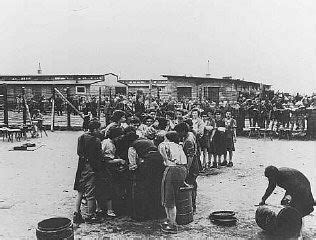 Liberated prisoners waiting for soup | The Holocaust