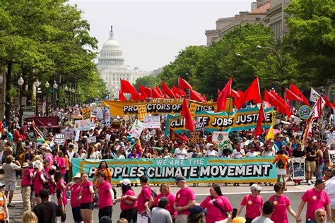 People's Climate March Spurs Thousands to Descend on the
