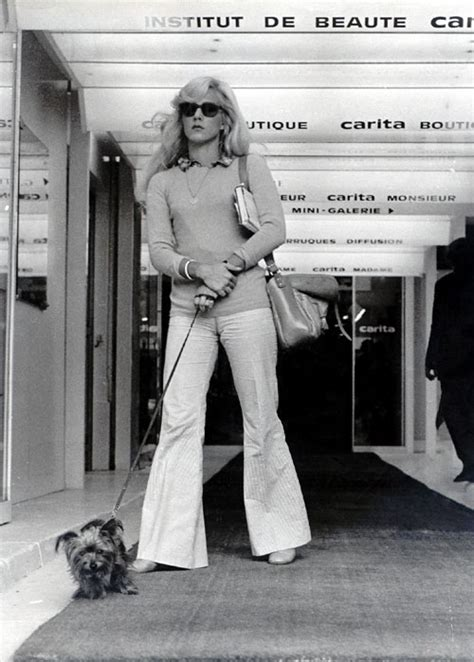 Avengers in Time: 1972, Fashion: Bell-bottoms